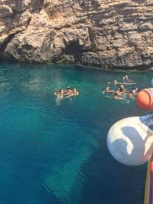 de grot van de boottour
